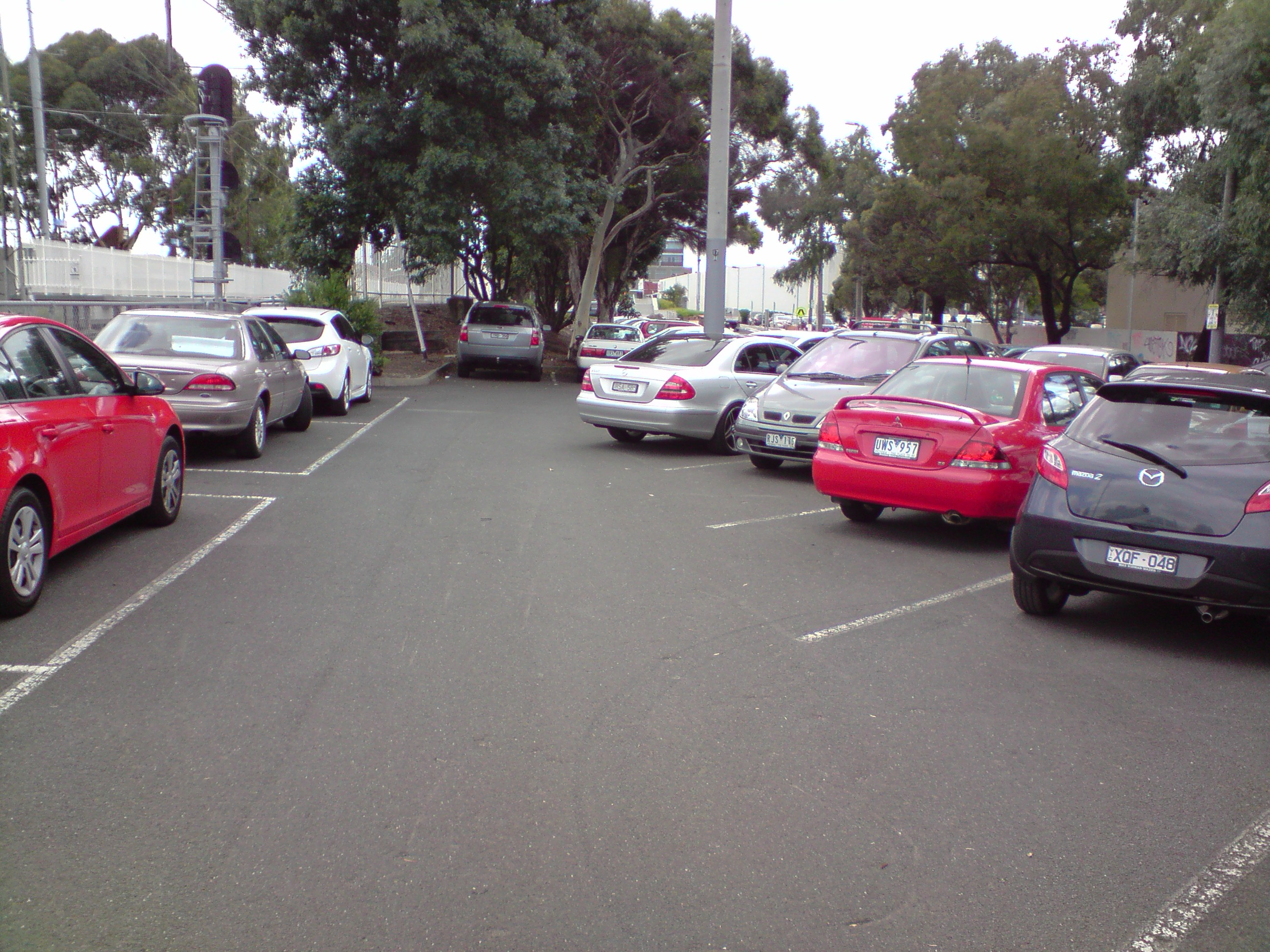 How Not to Park a Mercedes « etbe - Russell Coker